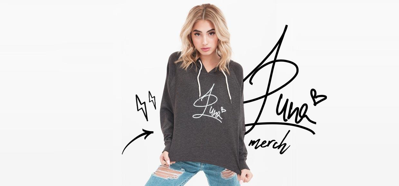 Influencer Brands - sangerinde og social stjerne Luna med merchandise